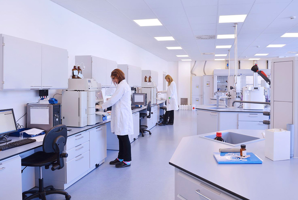Laboratory Cleanroom Cleaning in Southern California